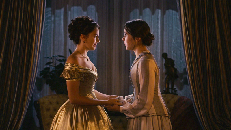 Ella Hunt and Hailee Steinfeld as Sue and Emily in Dickinson.